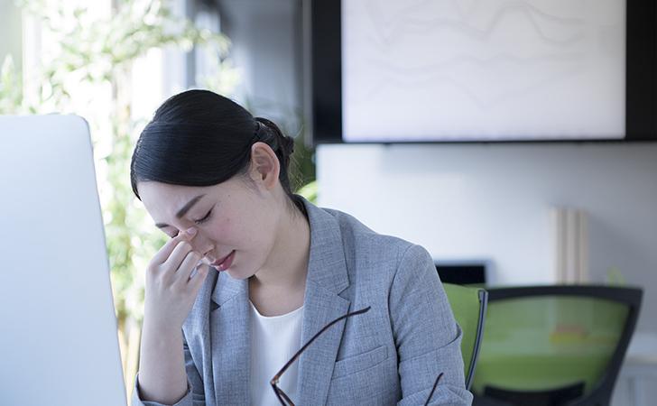 疲労で悩む女性